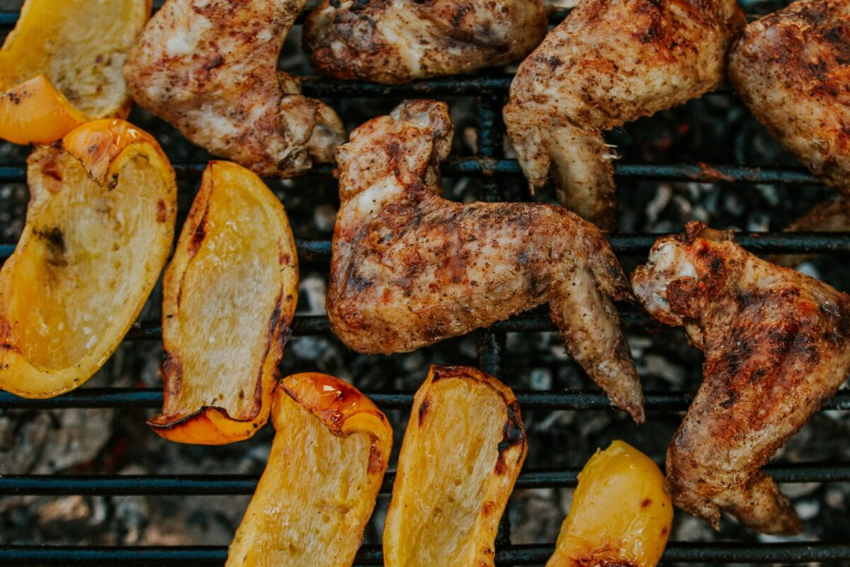 Will you enjoy a delicious barbecue? Discover how the special charcoal for roasting will give a different touch to the meat